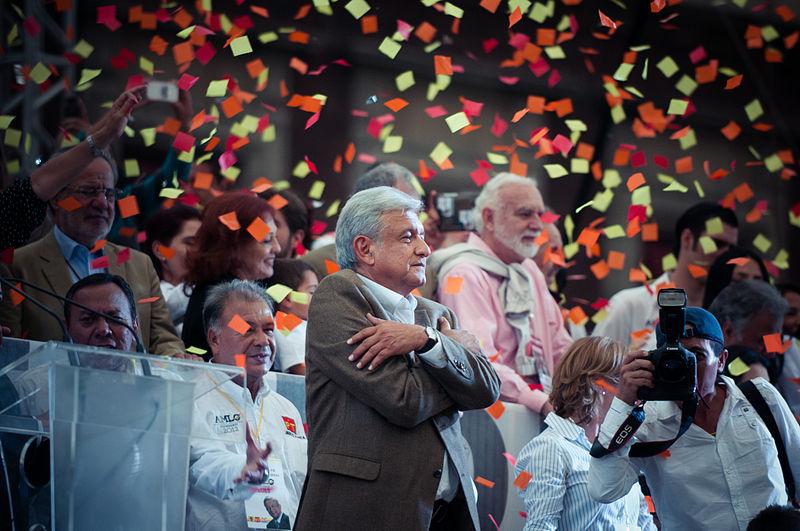 Photo of México quiere cambio: López Obrador gana las elecciones presidenciales