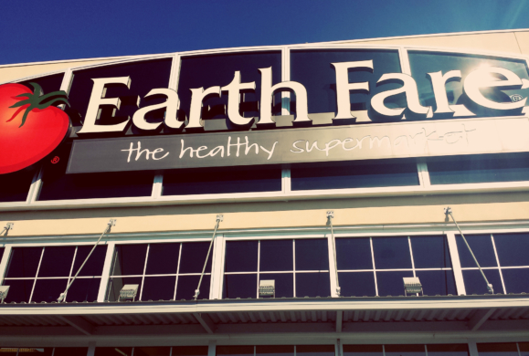 Earth Fare grocery chain uses union busting tactics against workers. Photo: frankieleon (CC BY 2.0)