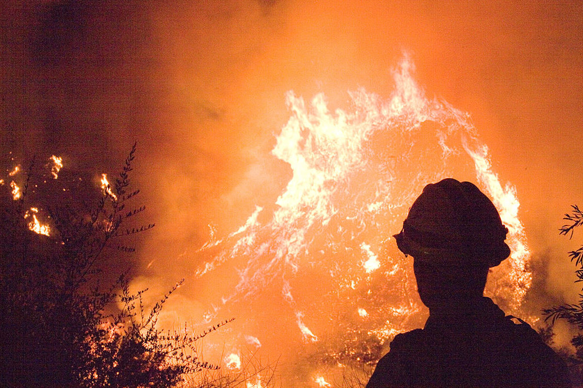 Incarcerated fighting California forest fires for $2/day