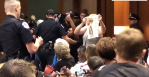 Women disrupt confirmation hearings for Kavanaugh. Liberation News screen shot of video by @frankthorp