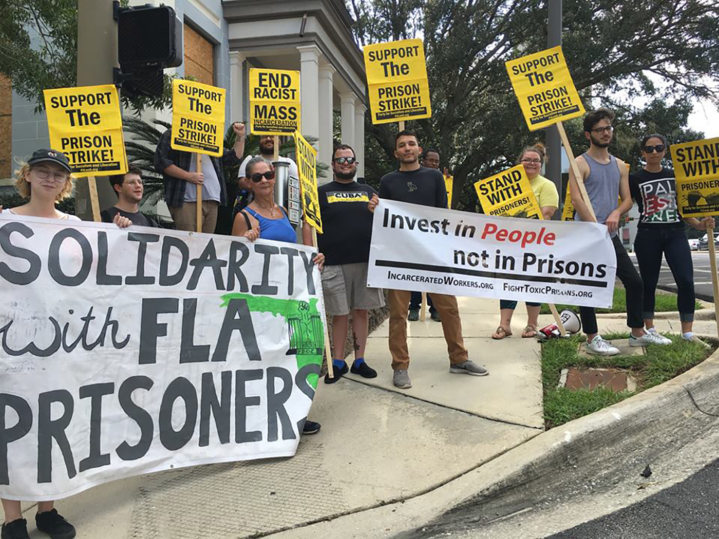 Photo of PSL Tallahassee struggles in solidarity with the National Prison Strike
