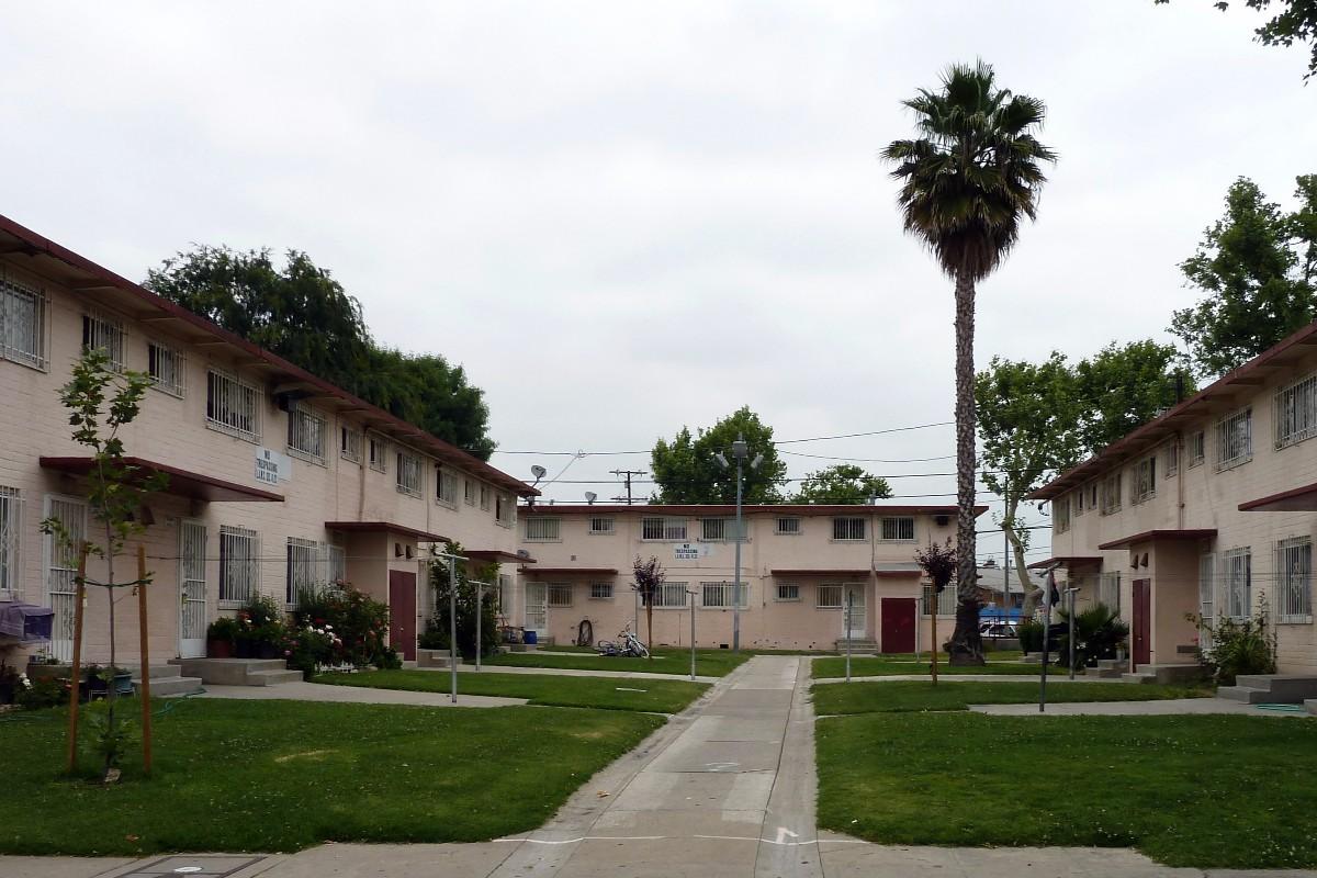 Ramona Gardens in Boyle Heights neighborhood, Los Angeles. Photo: Tedder/Wikimedia Commons.