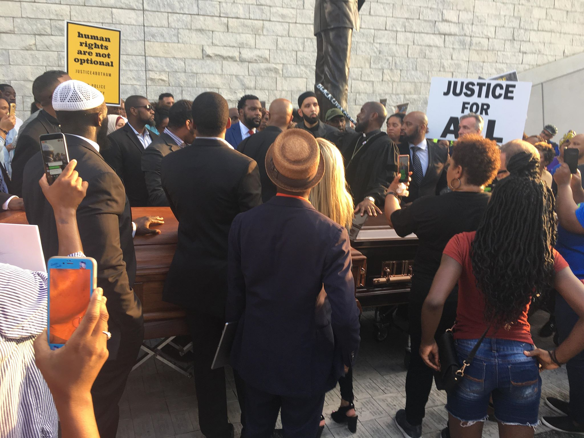 Photo of Dallas protests against killing of Botham Jean