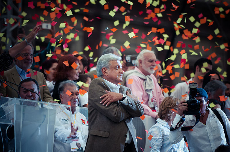 Photo of Mexican President López Obrador takes office, promises to break with neo-liberalism