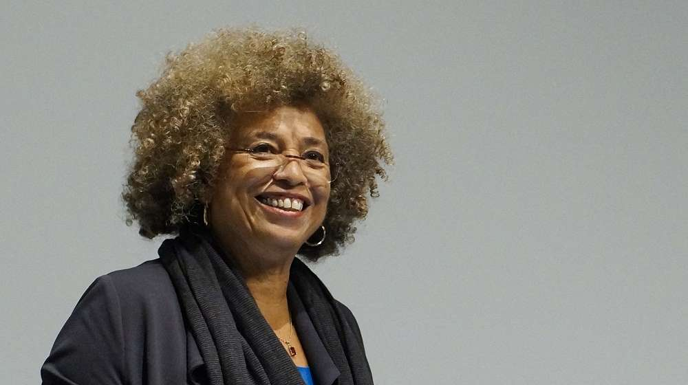 Photo of Attack on Angela Davis for supporting Palestine backfires