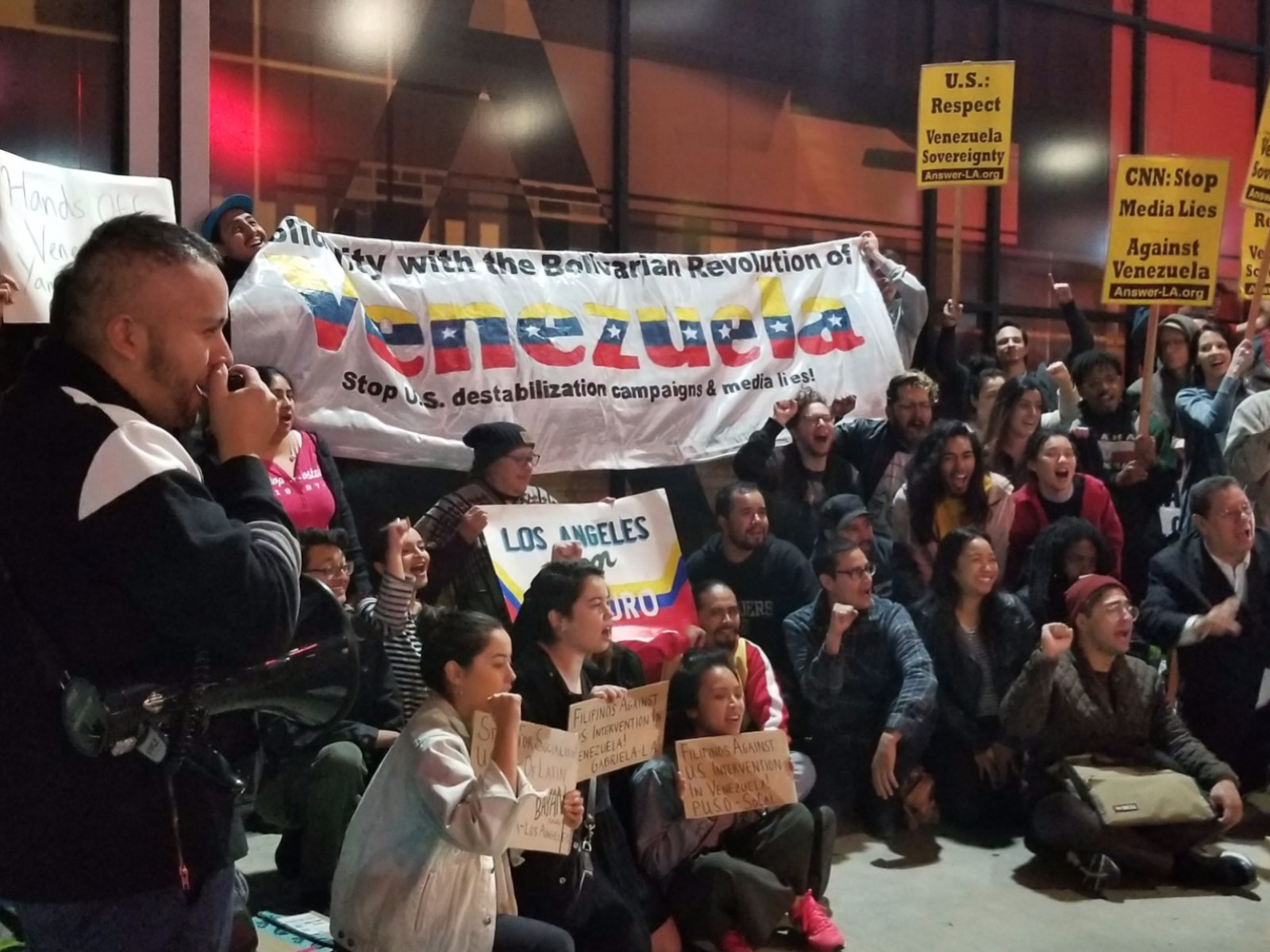 Photo of Los Angeles rally in solidarity with Venezuela