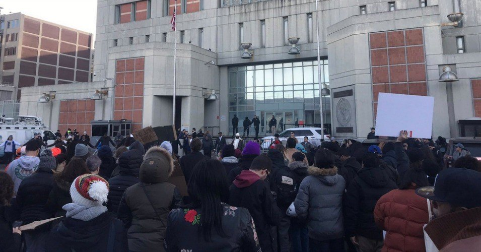 Photo of Families, community mobilize to bring heat back to freezing NYC jail