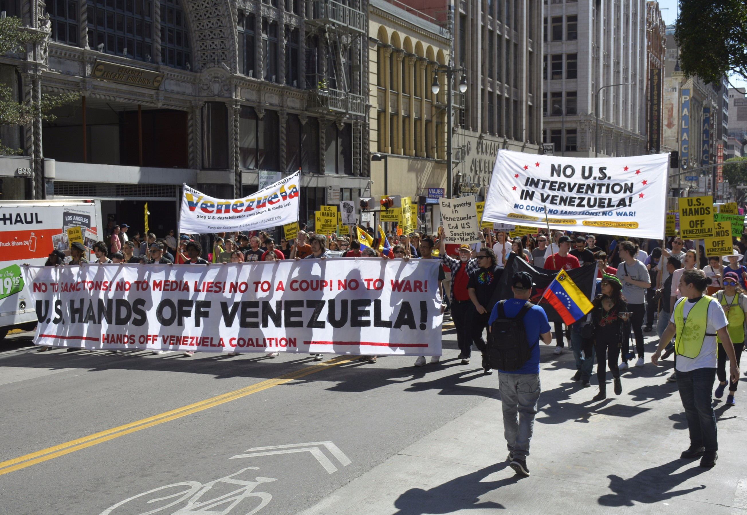 Photo of Los Angeles rally against US intervention in Venezuela