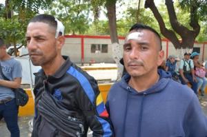 Enrique Barroso, a la izquierda, y José Barela estaban entre docenas de heridos durante el intento de los fascistas de llegar a Colombia en el puente Simón Bolívar en San Antonio, estado de Táchira.