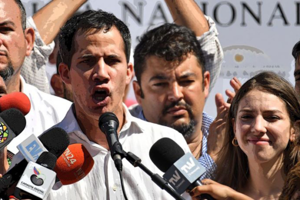 Guaido (at mic) and Marrero (center). Photo: Venpress.