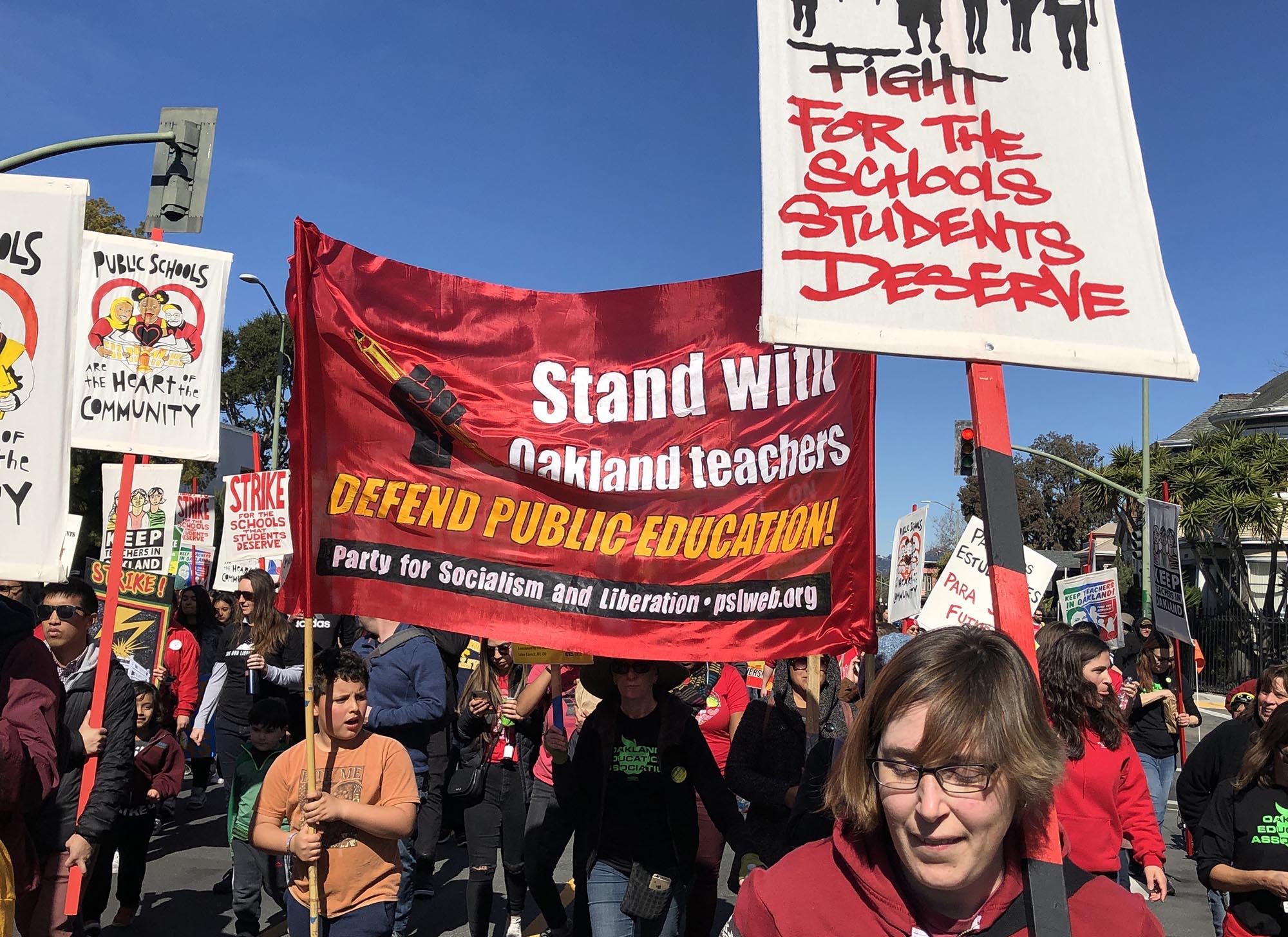 Photo of Oakland teachers settle seven-day strike