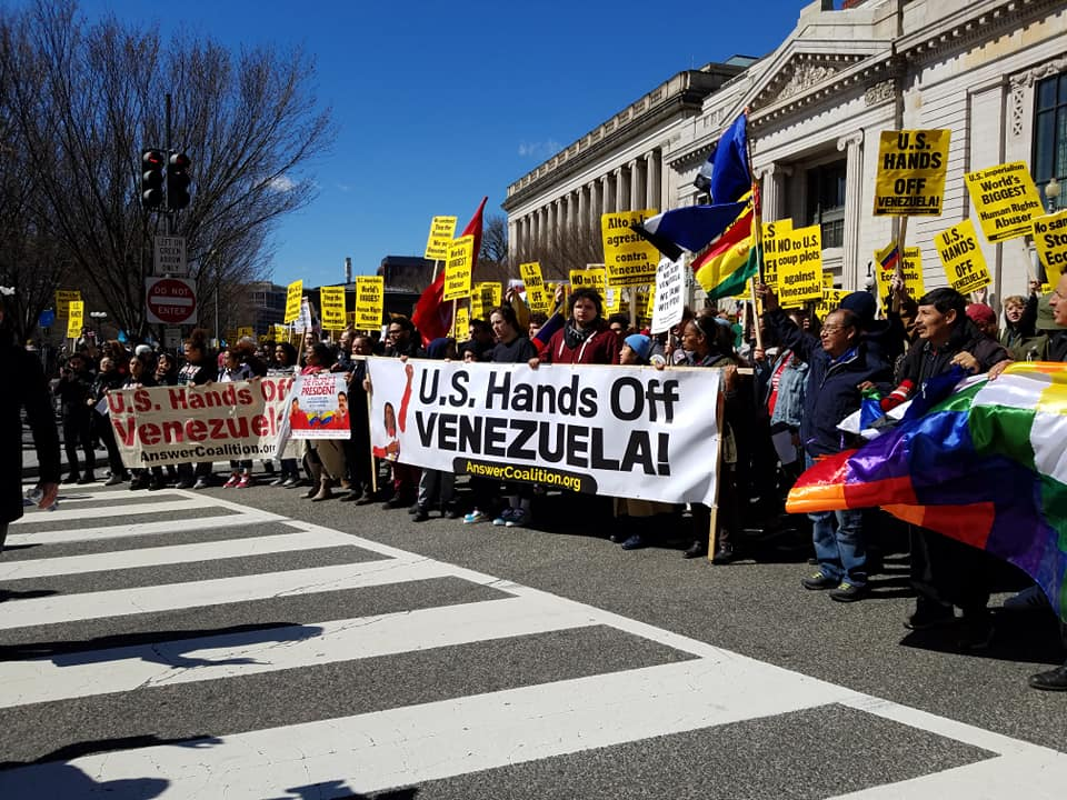 Photo of Large crowd gathers for the national march on the White House: U.S. Hands off Venezuela!