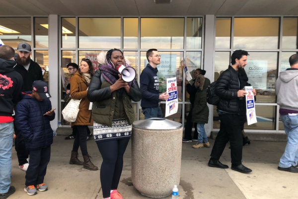 Stop and Shop workers on strike in Boston