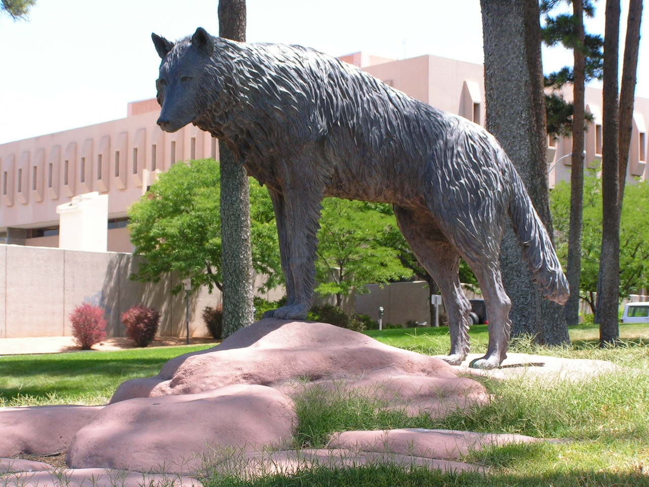 UNM faculty union drive scores victories, administration stalls and hires union-busting law firm
