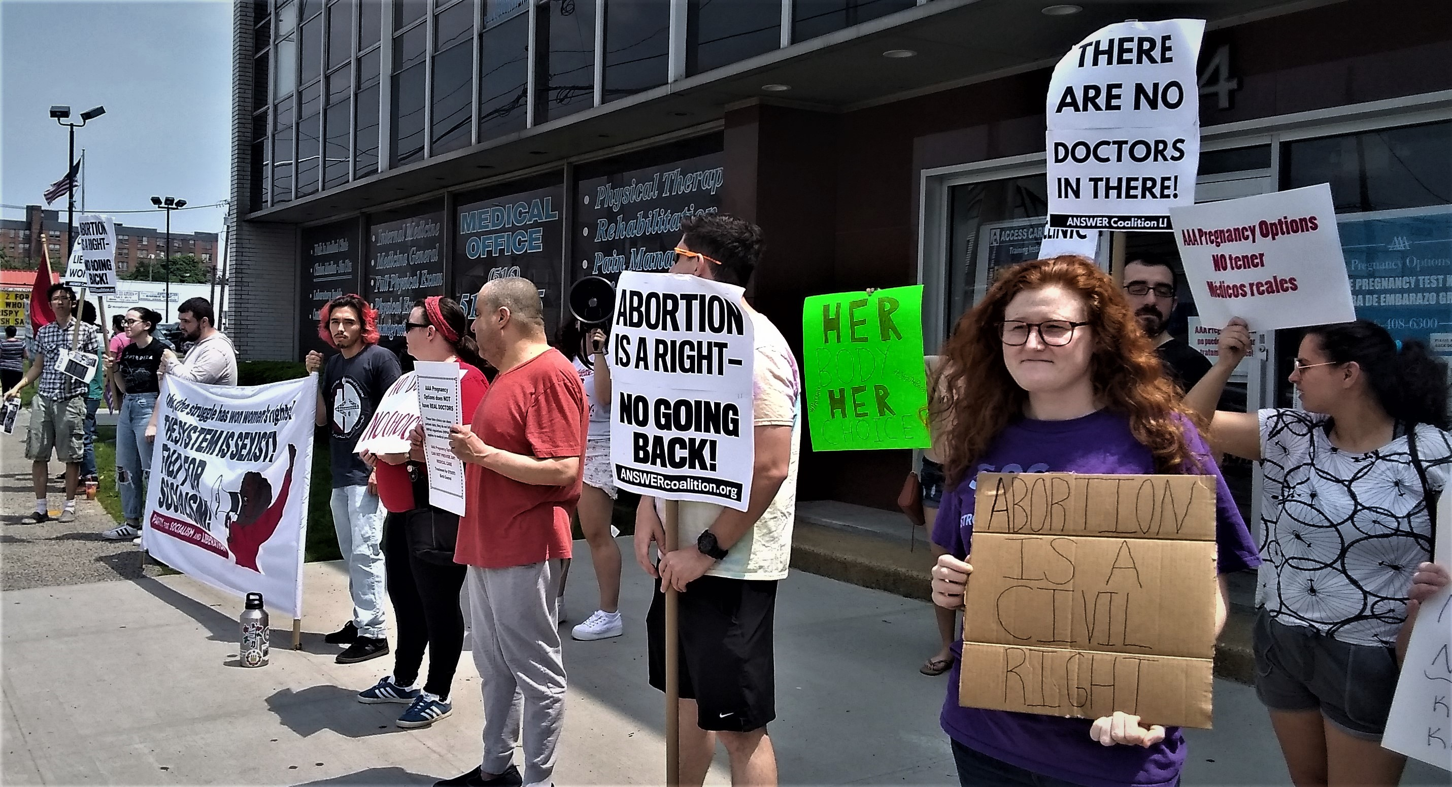 Photo of Long Island activists expose phony abortion clinic