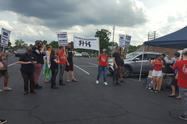 Activists gathered in front of Etowah Detention Center in Northeast Alabama on Father's Day. Photo: Shut Down Etowah campaign
