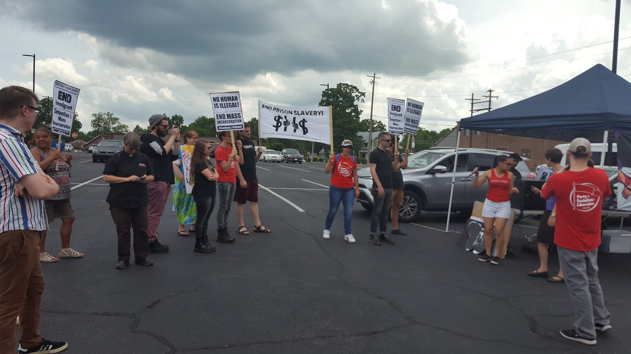 Photo of Shut down Etowah! Alabama Fathers Day rally for detained immigrants
