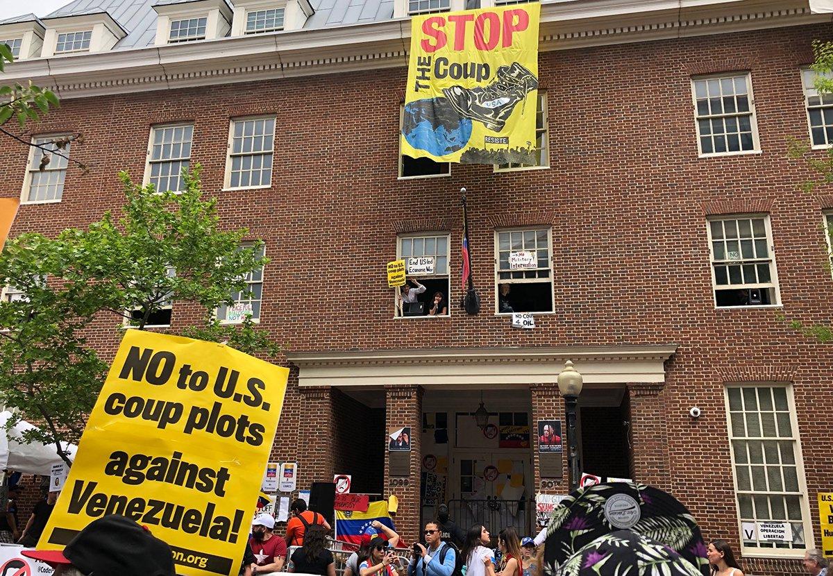 Photo of Estados Unidos infringe el derecho internacional al tomar posesión de la Embajada de Venezuela y arrestar a los huéspedes