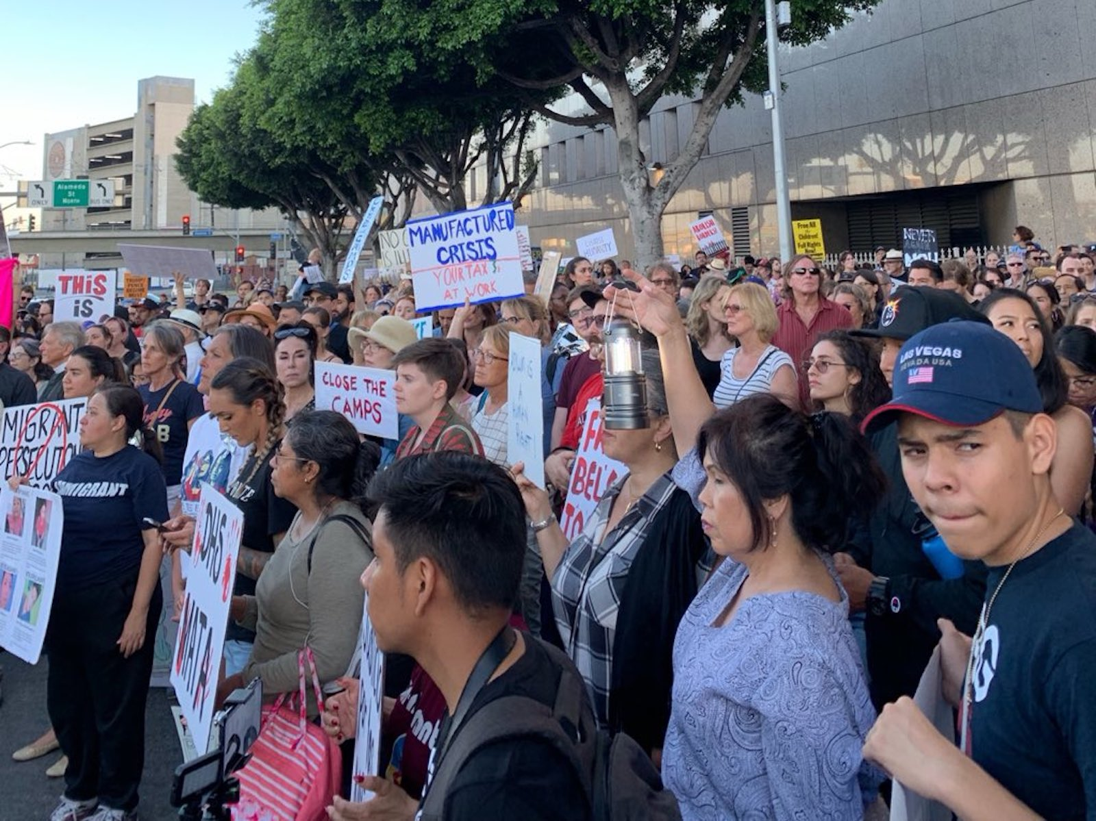 Thousands join vigil at Los Angeles detention center