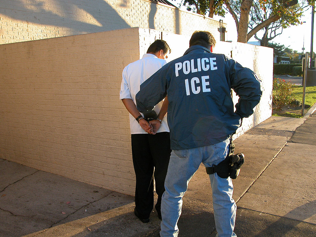 Photo of Mississippi raid shows ICE = unionbusters for the capitalist class