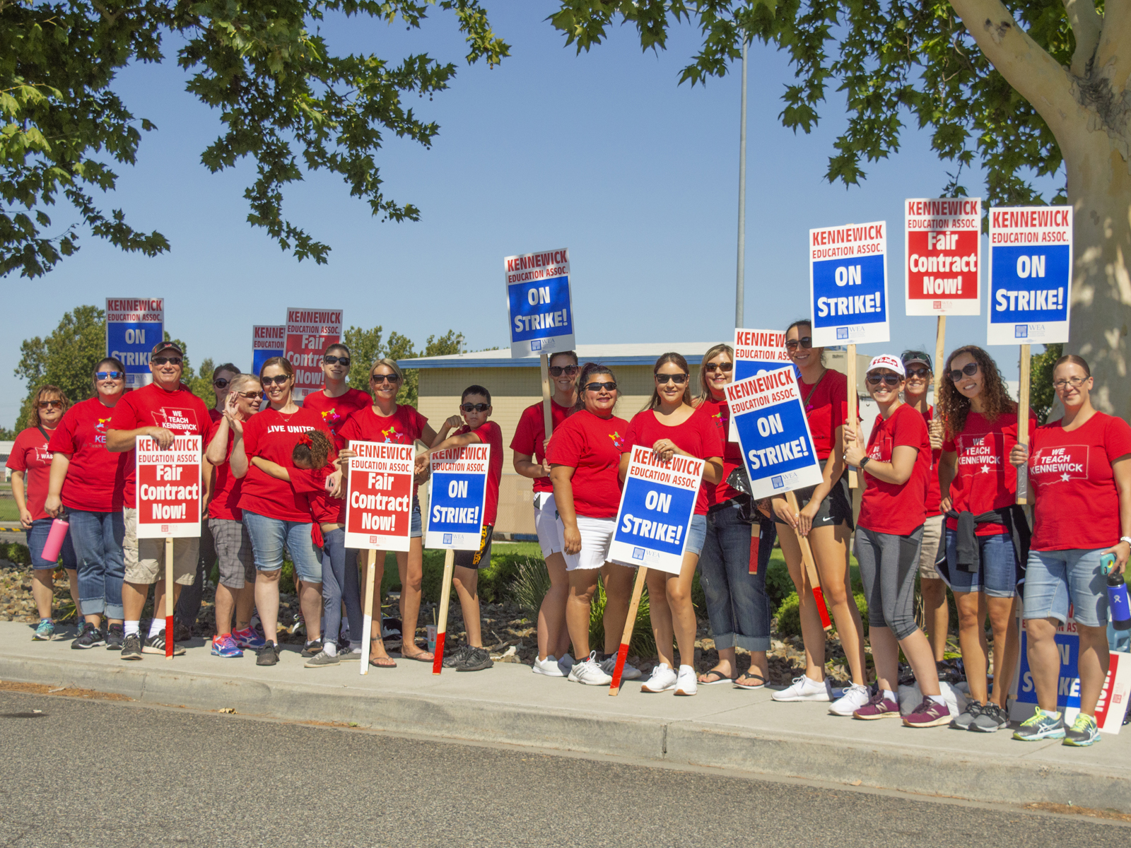 Photo of Kennewick, Wa, teachers on strike for much-needed raise