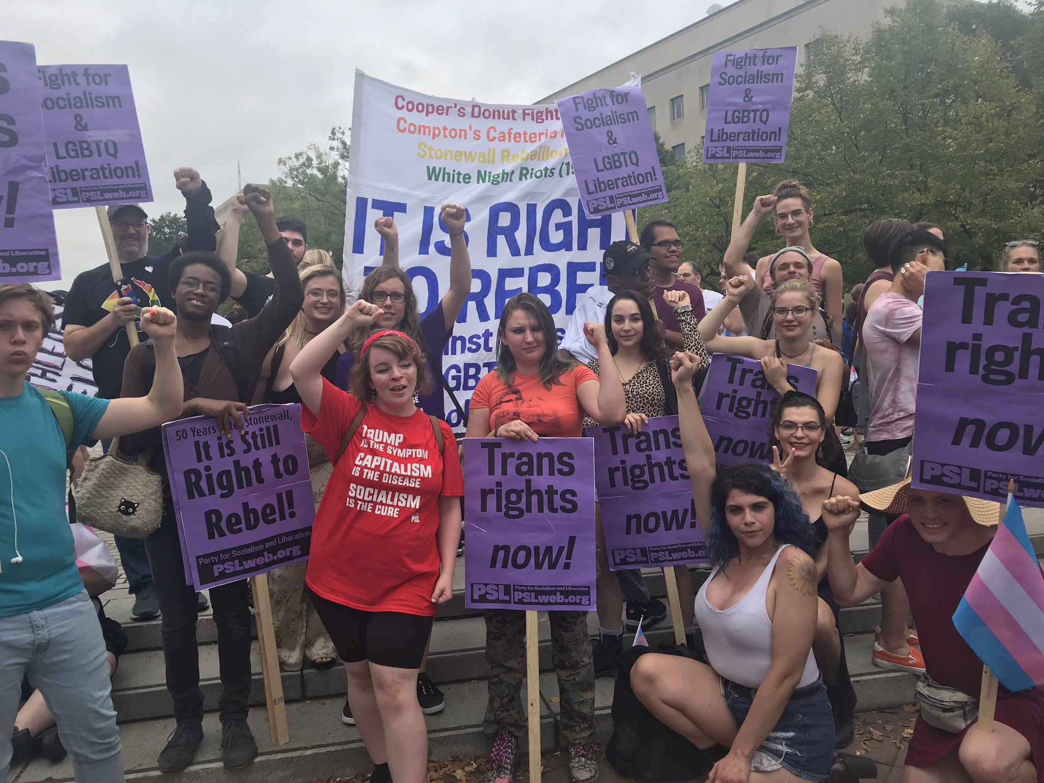 "Photo of ""Trans Power!"" Thousands stand up to Trump's attacks in National Transgender Visibility March"