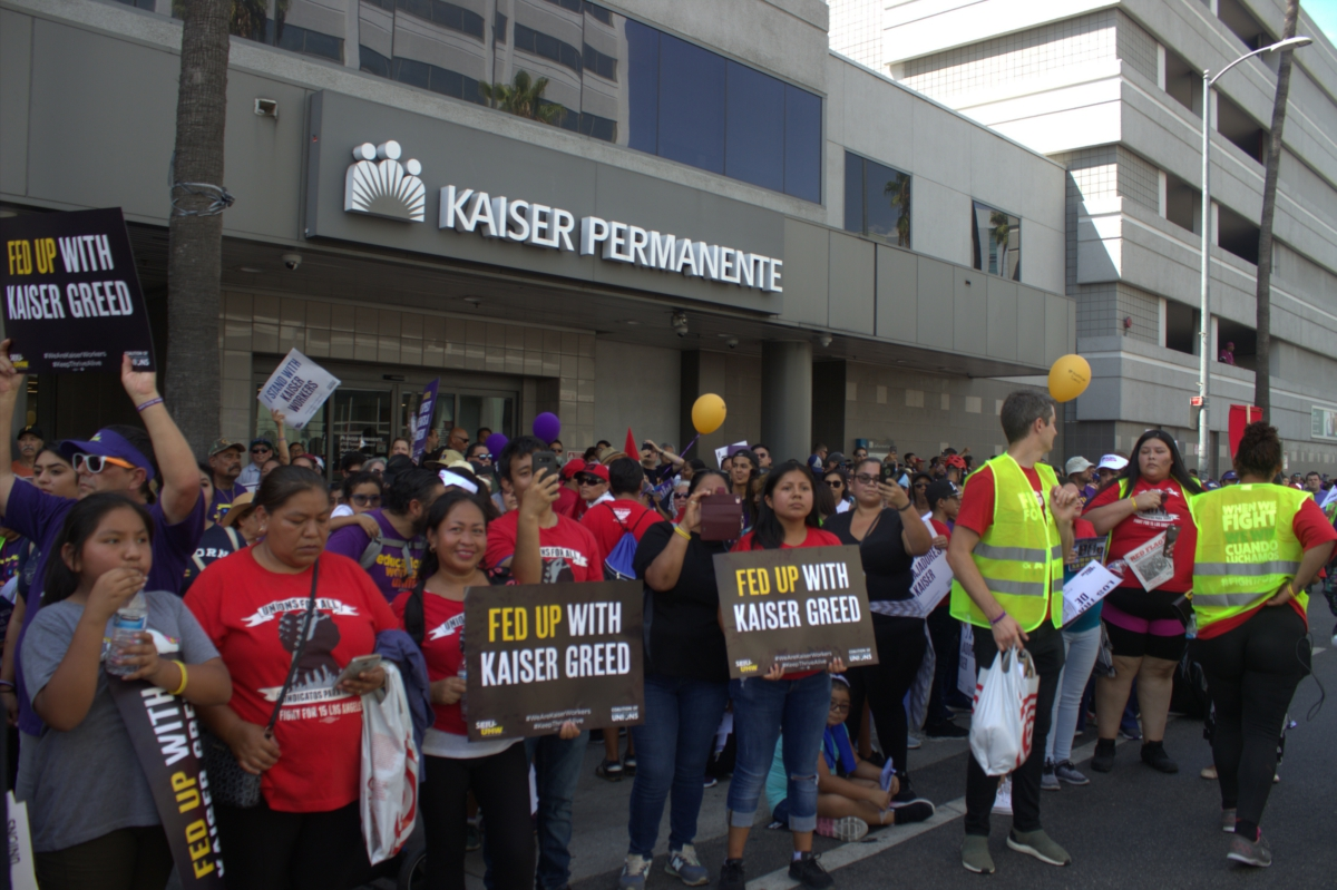 Photo of California health-care workers prepare to strike at Kaiser