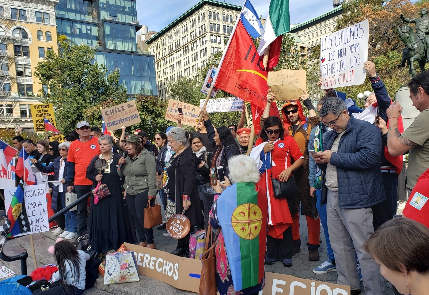 Photo of NYC solidarity with Chilean uprising