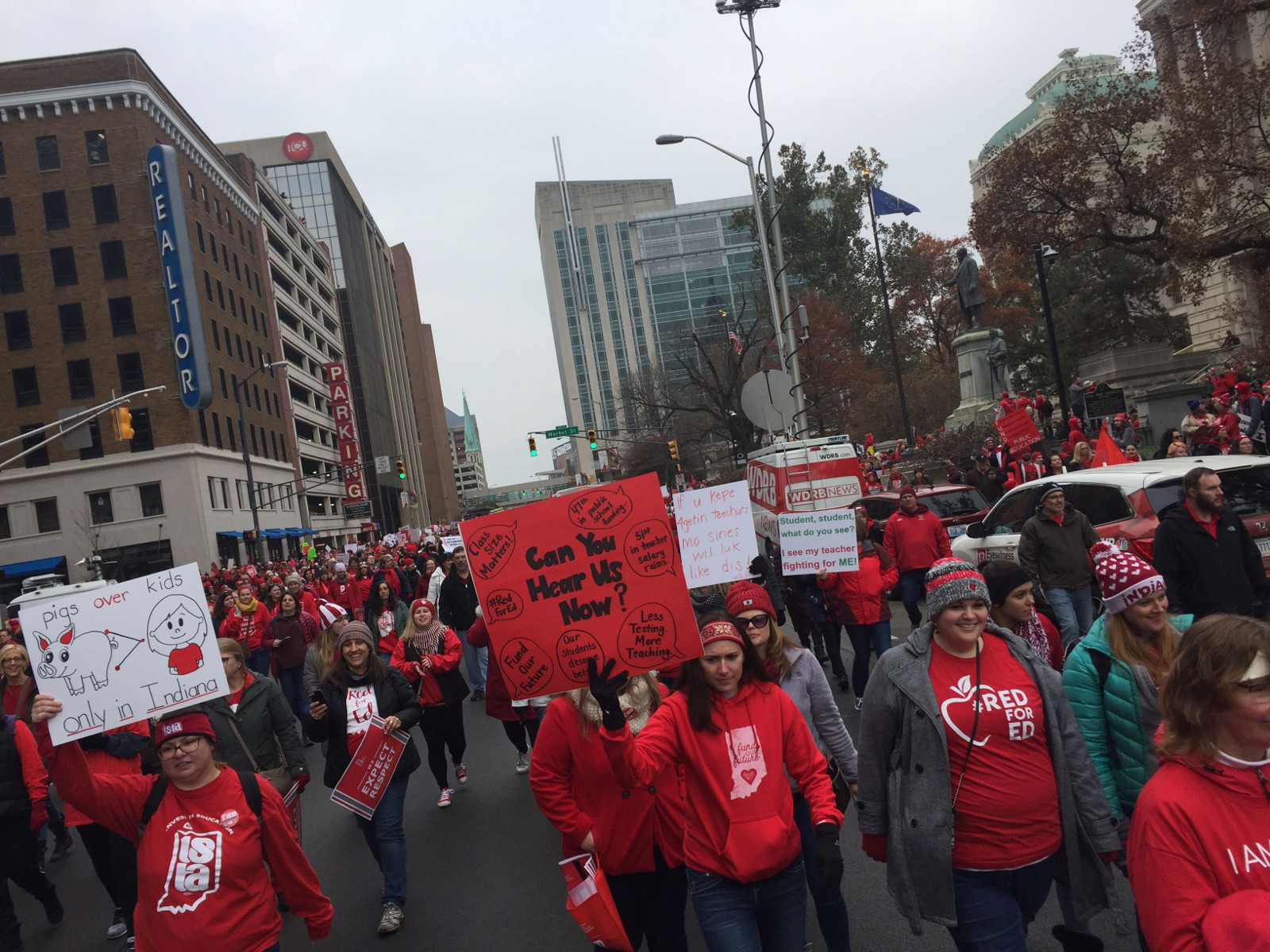 Photo of 20,000 teachers gather in Indianapolis, shut down schools across Indiana in second Red for Ed Day