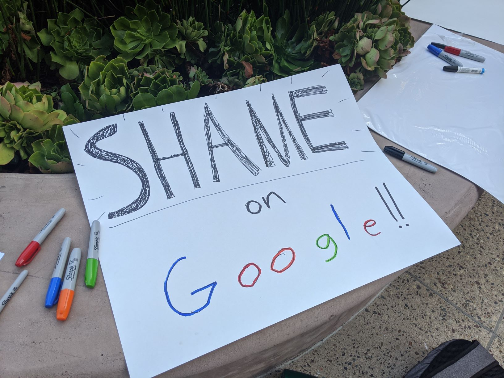 Photo of Google terminates workers for organizing campaign against collaboration with CBP
