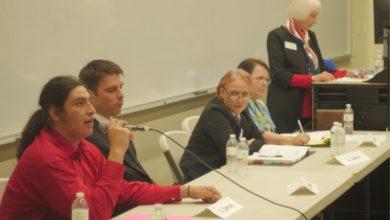 Los candidatos en el debate en Palomar. | Foto: Farah Thompson