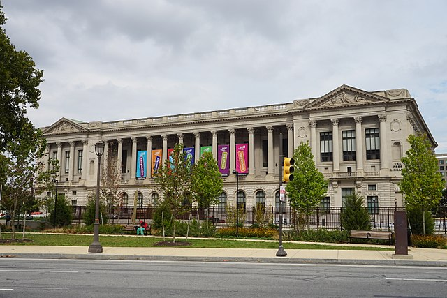 Amid pandemic, Philadelphia library workers win paid leave, safety demands
