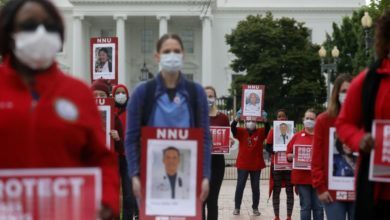 Photo of Nurses outside White House demand gov't enforce job safety