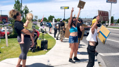 Photo of Community and workers unite against racist coffee shop owner in Pasco, Wa
