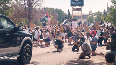 Photo of Attempted car attacks fail to deter protesters in Tri-Cities, Wa.
