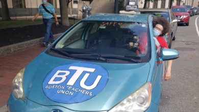Photo of Boston Teachers Union car rally demands a safe reopening
