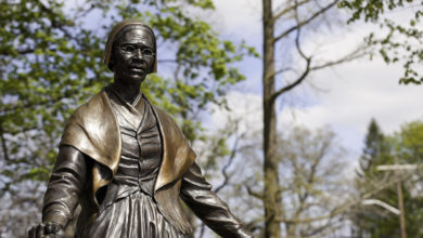 Sojourner Truth memorial statue, Florence, Massachusetts. Photo credit: Lynne Graves (CC BY-ND 2.0)
