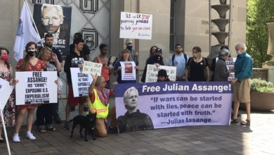 Photo of Activists outside Justice Department demand Julian Assange be freed on second anniversary of his arrest