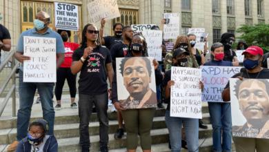 Photo of Atlanta reinstates killer cop who murdered Rayshard Brooks