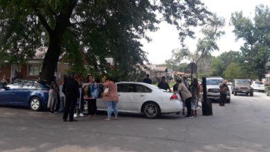 Protesters gather outside the home of Dolton, Illinois, Mayor Tiffany Henyard. Liberation photo