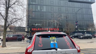Colectivo workers and supporters took part in a car caravan in Chicago in March support of the workers' unionization drive. Liberation photo